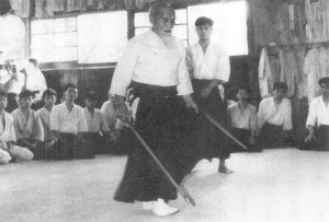ueshiba-teaching-manseikan-1961